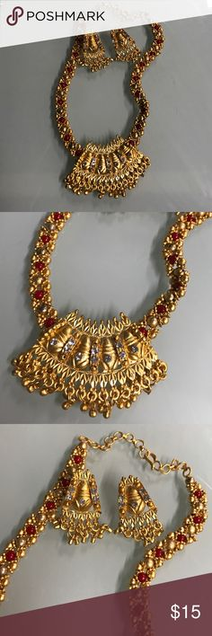 Traditional jewelry set Beautiful choker set in traditional design, consists of beads and rhinestones, worn once Jewelry Earrings