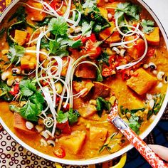 Rachel Ama's recipe for African Peanut Stew is a flavour-packed vegan dish, filled with fresh and delicious veggies and a good kick of chilli. Peanut Stew Recipe, Recipe Stew, Veggie Recipes, Vegetarian Recipes, Healthy Recipes, Easy Recipes, Rachel Ama, African Peanut Stew, Vegan Stew