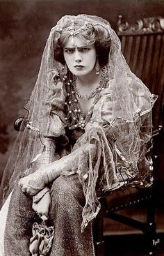 "Elizabeth ""Lily"" Brayton (23 June 1876 – 30 April 1953) was an English actress, known for her performances in Shakespeare plays and for her nearly 2,000 performances in the World War I hit musical Chu Chin Chow."