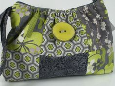 purse and button love! Yellow Tree, Green Purse, Cool Style, My Style, Small Wallet, Clipboard, My Favorite Color, Purses And Bags, Kitchen Ideas