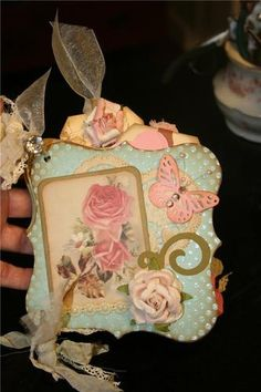 This is a gorgeous album * Crafts Beautiful, Beautiful Handmade Cards, Mini Scrapbook Albums, Mini Albums, Card Making Designs, Altered Tins, Rose Lace, Journal Art, Art Journaling
