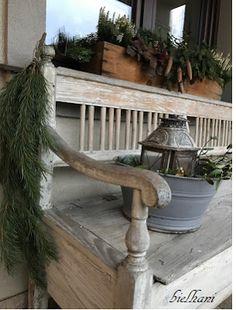 bielhani: świątecznie przed domem