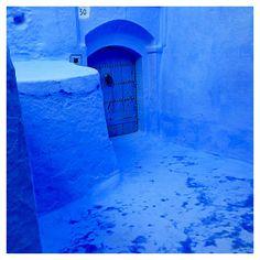 モロッコ。シャウエン。 青く塗られている街。