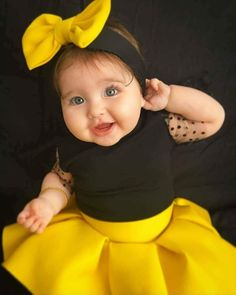 Image baby images in Baby Images album Cute Little Baby, Baby Kind, Cute Baby Girl, Little Babies, Baby Love, Cute Babies, Beautiful Children, Beautiful Babies, Baby Girl Pictures