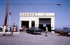 Old Gas Pumps, Vintage Gas Pumps, Chevron Gas, Firestone Tires, Pompe A Essence, Gas Service, Old Garage, Old Gas Stations, Filling Station