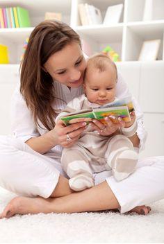 ¿Sabías que leerle a tu hijo le ayuda a ampliar su vocabulario, estimular su imaginación y mejorar sus habilidades comunicativas?   Diversas investigaciones han demostrado que la habilidad lingüística de un bebé, e incluso su inteligencia, están relacionadas con la cantidad de palabras que escucha cada día.