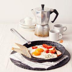 завтрак на двоих by Natalia Lisovskaya, via 500px