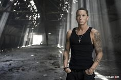 eminem, oh the things I would do to this man..