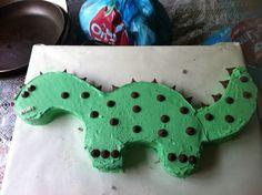 Long neck dinosaurs. birthday cake