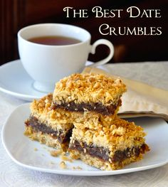 Sub C sweetened coconut. Nans made Newfoundland Date Crumble Squares & we still love them. My Aunt Marie made the best. The secret is the right amount of butter & filling. Köstliche Desserts, Delicious Desserts, Dessert Recipes, Italian Desserts, Cupcakes, Baking Recipes, Cookie Recipes, Yummy Treats, Sweet Treats
