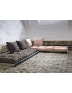 The set can be laid out as an L-shape lounging sofa.