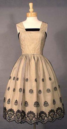vintage dress love!