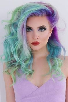 Mermaid Hair achieved the perfect pastel hair by sectioning their hair and applying a combo of Vibrant Purple, Pastel Teal, Pastel Purple, and Pastel Green Coloring Conditioners. Pastel shades can fade quickly, so to maintain color loss use Dai Winter Hairstyles, Pretty Hairstyles, Braided Hairstyles, Hairstyle Tutorial, Green Wig, Purple And Green Hair, Pink Hair, Face Shape Hairstyles, Natural Hair Styles