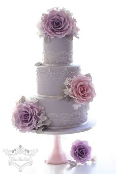 Vintage lilac wedding cake with beautiful gumpaste roses - by Leslea Matsis Cakes