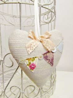 Knitted Shabby Chic Bunting Heart - BTY-C-05220