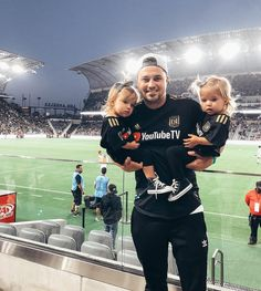 Kyler and Mad Cute Twins, Cute Funny Babies, Cute Family, Family Goals, Little Sister Pictures, Tatum And Oakley, Girls Soccer Cleats, Baby Tumblr, Daddy Daughter