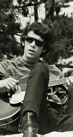 Young Lou Reed while on The Velvet Underground The Velvet Underground, Southampton, Music Is Life, My Music, Music Mix, The Stooges, Nostalgia, Thing 1, Gretsch