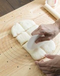 SNSで噂の「魔法のパン」の正体とは?こねずに、たった30分でできあがり!