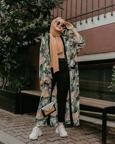 Hijab Fashion Summer, Modest Fashion Hijab, Modern Hijab Fashion, Street Hijab Fashion, Casual Hijab Outfit, Hijab Fashion Inspiration, Hijab Chic, Abaya Fashion, Muslim Fashion