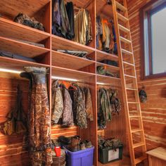 29a81d14cd25d I WOULD LOVE TO HAVE A CLOSET LIKE THIS FOR HUNTING GEAR. Hunting Rooms,