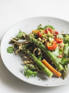 Vegan Pad Thai with Asparagus