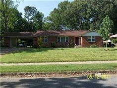 4276 Woodcrest Dr ~ Wonderful Home ~ All New Kitchen ~Very NICE!