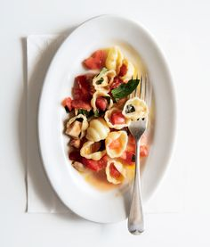 Pasta with Tomatoes and Mozzarella  which is in my latest meal plan. You can even #win a year's subscription of Bon Appetit - go HERE http://www.oboyorganic.com/blog/real-food-meal-plan-giveaway