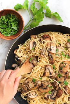Mushroom spaghetti aglio olio: a simple but incredibly tasty and fulfilling meal that you can make from scratch in just 40 minutes. Best of all, it's gluten-free and vegan too!