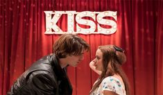 The Kissing Booth – Official Trailer #moviesukcom #thekissingbooth #movie #official #trailer #joeyking #joelcourtney #jacobelordi #mollyringwald