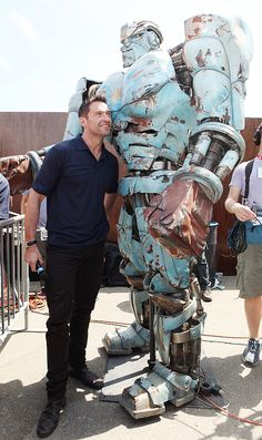 Perfect Movie, Love Movie, Les Miserables, Hugh Jackman Images, Hugh Wolverine, Fighting Robots, Real Steel, Steel Art, Amazing Spiderman