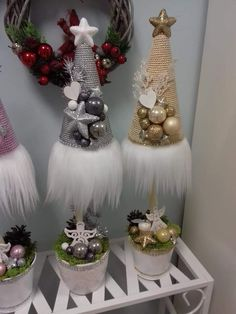 Small Christmas Trees, Christmas Makes, Winter Christmas, Christmas Time, Christmas Wreaths, Christmas Ornaments, Christmas Flower Arrangements, Christmas Centerpieces, Xmas Decorations