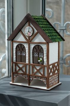Original DIY houses: step-by-step master classes Diy Crafts Vintage, Diy And Crafts, Popsicle Stick Crafts House, Dollhouse Design, Vintage Dollhouse, Bird House Feeder, Tea Party Decorations, Tile Crafts, Ceramic Houses