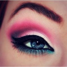 eye make up...can someone please do this to my eyes?!
