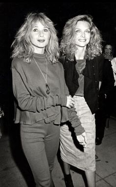 Michelle Pfeiffer and Rosanna Arquette