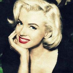 Marilyn Monroe - close up - http://vestidododia.com.br/estilos/estilo-glam/estilo-retro-glam/conheca-o-estilo-retro-glam/