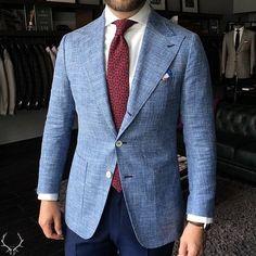Custom blazer made of Ariston summer wool/linen/silk. Half canvas, soft shoulder, half lined.
