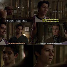 O melhor é a cara do Stiles no final Teen Wolf Scott, Teen Wolf Stiles, Teen Wolf Memes, Stydia, Sterek, Cenas Teen Wolf, Meninos Teen Wolf, Aurora Disney, Wolf Life