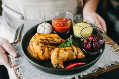 Food - tillbehör Brownie brownie z malinami Mixed Grill, Swedish Recipes, Side Recipes, Tandoori Chicken, Summer Recipes, Foodies, Delish, Grilling, Milkshake