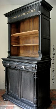 Cabinet of curiosities, makeover by Le Meuble du Photographe - Refurbished Furniture, Paint Furniture, Repurposed Furniture, Furniture Makeover, Home Furniture, Furniture Ideas, Dresser Makeovers, Country Furniture, Farmhouse Furniture