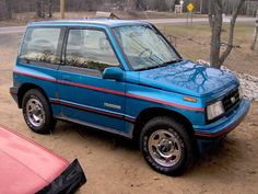 1990 Geo Tracker Pictures: See 16 pics for 1990 Geo Tracker. Browse interior and exterior photos for 1990 Geo Tracker. Get both manufacturer and user submitted pics. Fancy Cars, Cute Cars, Sidekick Suzuki, Suzuki Vitara 4x4, Kei Car, Suzuki Swift, Car Goals, Old Cars, Geo