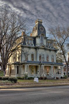 Heck-Andrews House, Second Empire Style. The house was originally owned by industrialist Jonathan McGee Heck – architecture Victorian Architecture, Beautiful Architecture, Beautiful Buildings, Beautiful Homes, Architecture Sketches, Old Buildings, Abandoned Buildings, Abandoned Places, Haunted Places