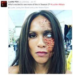 What happened to her? Or her inner demon perhaps? :O << that's her demon face. Lucifer Mazikeen, Tom Ellis Lucifer, Lesley Ann Brandt, Demon Makeup, Morning Star, Maquillage Halloween, Film Serie, Celebs, Celebrities