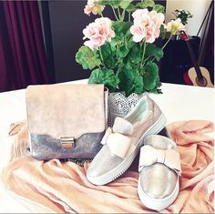 Street Style | Bullboxer shoes from instagram @ reginaschuhe #bow flats #sneakers #slipper #slip-ons #bowshoes #glitter #shiny shoes #sporty #blogger #style