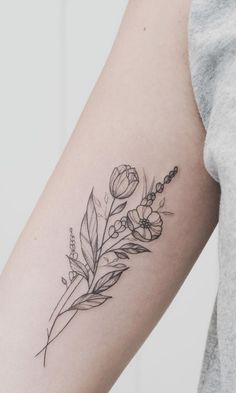 50 Small and Delicate Flower Tattoo Information & Ideas - Brighter Craft - 50 k . - 50 Small and Delicate Flower Tattoo Information & Ideas – Brighter Craft – 50 Small and Delicat - Form Tattoo, Shape Tattoo, Get A Tattoo, Tattoo Wings, Tiny Tattoo, Cat Tattoo, Unique Tattoos, Beautiful Tattoos, Small Tattoos