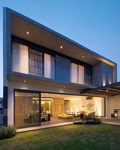 V House / Agraz Arquitectos