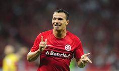 Corinthians inicia negocia��es para ter o atacante Leandro Dami�o