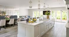 Hertfordshire Property Kitchen Room Design, Home Decor Kitchen, New Kitchen, Kitchen Ideas, Kitchen Without Top Cabinets, The New Classic, Classic Style, Open Plan Kitchen Diner, Kitchen Styling