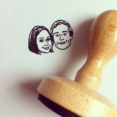 Custom Face Stamp @lilimandrill www.lilimandrill.fr #etsy #etsygifts #etsywedding #wedding #mariage #bride #diy #couple #stamp #rubberstamp #shopsmall #handmade #gift