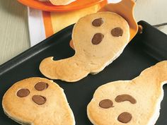 Scary Ghost Pancakes: I like the concept, not necessarily the recipe