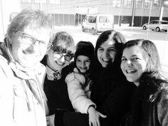 Um dia diferente... Ouvir um coro de câmara em plena estação Rodoviária, nas Caldas da Rainha Lê o artigo no nosso blog: http://snip.ly/DYE9